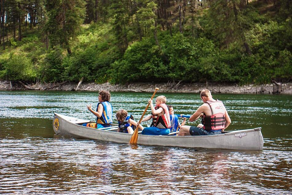 UGM Camp canoeing on Spokane River