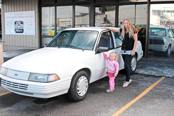 Brittany & Brooklyn get a new car from UGM Motors