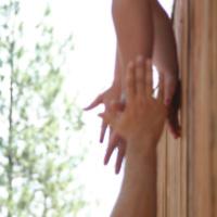 hands-thumb
