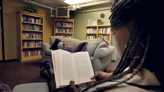 woman_reading