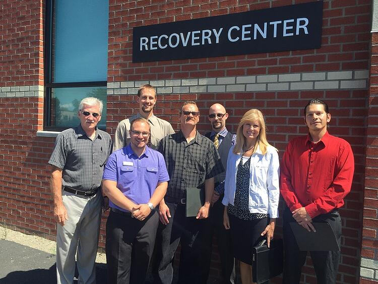 2016_picture_with_recovery_men_002.jpg