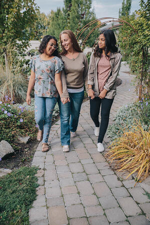 Kari and her daughters are working on their relationship now that Kari is in recovery.