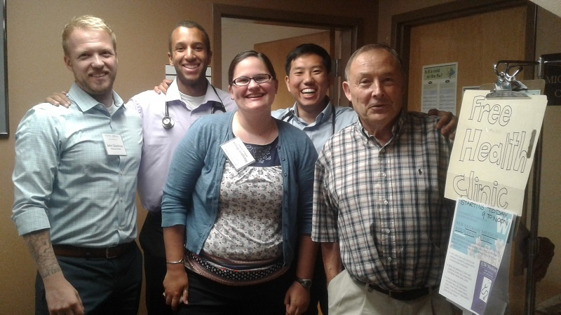 Dr. Merkeley, Margaret Bruce and other UW medical students get ready for their first Saturday at UGM Clinic.