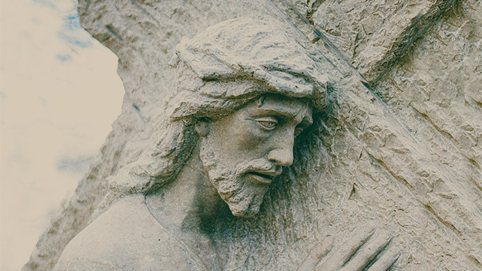 unsplash_jesus cross statue 700